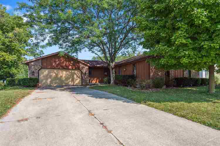 8725  Glenrock Drive New Haven, IN 46774 | MLS 201941624