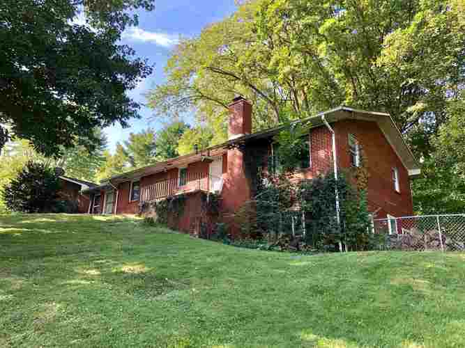 1911 N ROLLING MEADOWS  Monticello, IN 47960 | MLS 201942517