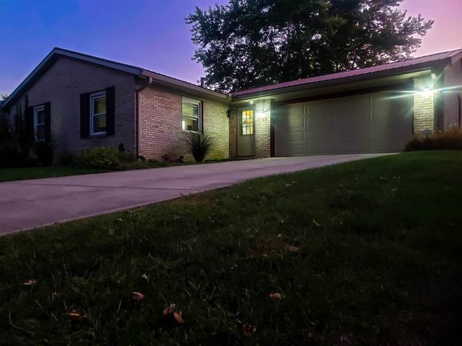 1715 Scenic Place Marion IN 46952 | MLS 201942577 | photo 1