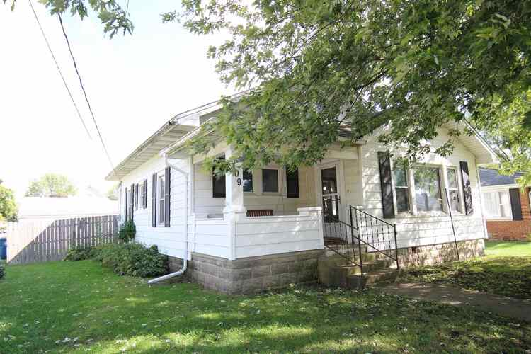 109 N Columbia Street Otterbein, IN 47970 | MLS 201943193