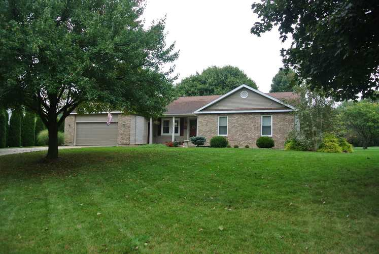 702  Highland Drive Middlebury, IN 46540-9569 | MLS 201943453