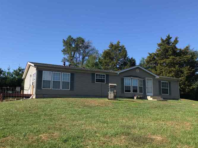 189 W State Road 14  Rochester, IN 46975   MLS 201944079