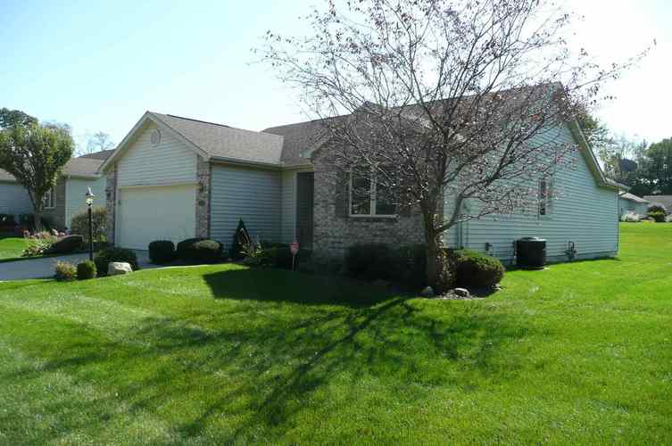 17826 Bay Winds Drive South Bend, IN 46635 | MLS 201944127 | photo 2