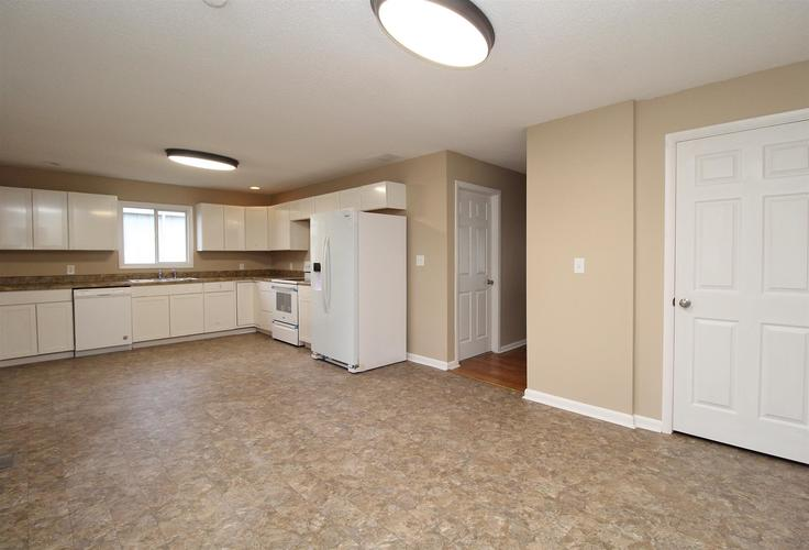 8 Virgil Court Gas City, IN 46933   MLS 201944135   photo 4