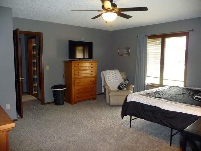 8211 Fawncrest Place Fort Wayne, IN 46835   MLS 201944156   photo 12