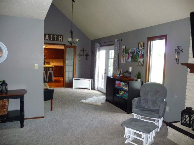8211 Fawncrest Place Fort Wayne, IN 46835   MLS 201944156   photo 4