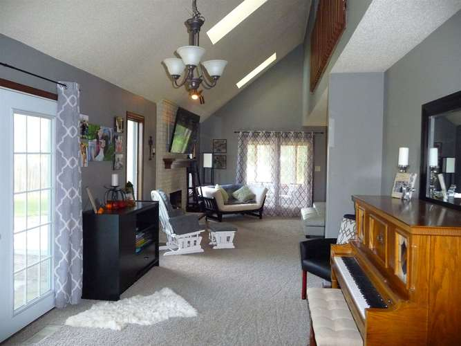 8211 Fawncrest Place Fort Wayne, IN 46835   MLS 201944156   photo 5