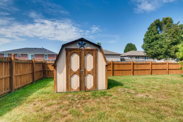12834 Cold Water Drive Evansville, IN 47725 | MLS 201944259 | photo 19