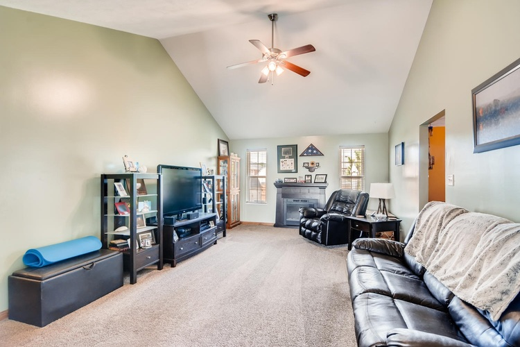 12834 Cold Water Drive Evansville, IN 47725 | MLS 201944259 | photo 4
