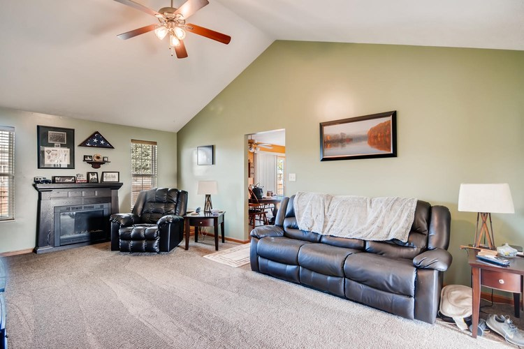 12834 Cold Water Drive Evansville, IN 47725 | MLS 201944259 | photo 6