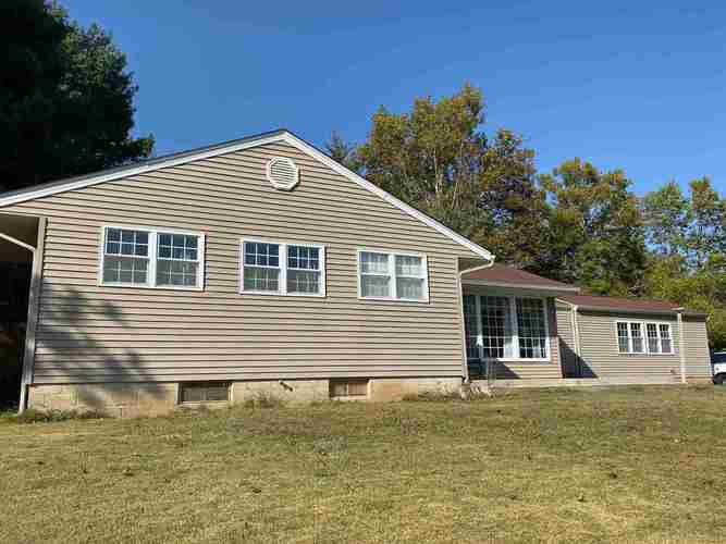 1751  Valley View Drive Bedford, IN 47421 | MLS 201944364