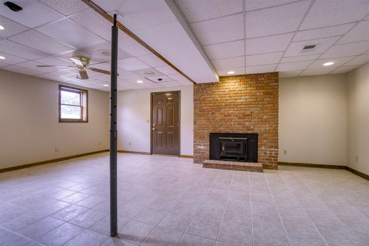 627 Outer Gray Street Newburgh, IN 47630 | MLS 201944435 | photo 24