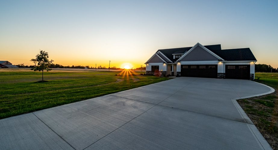 4732 S Round Hill Road Columbia City, IN 46725-0078 | MLS 201944447