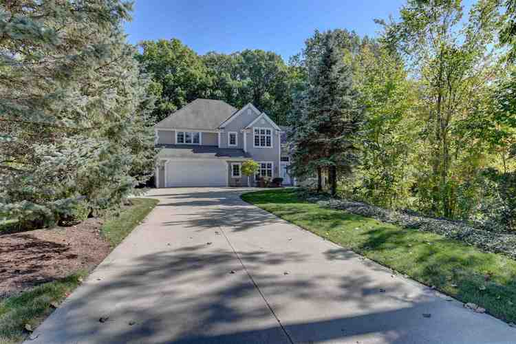 5635  Cresthill Drive Fort Wayne, IN 46804 | MLS 201944961
