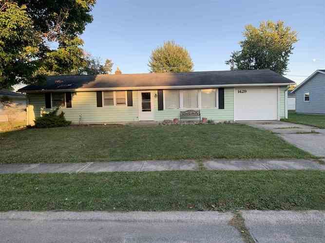 1429  Dundee Drive New Haven, IN 46774 | MLS 201945027