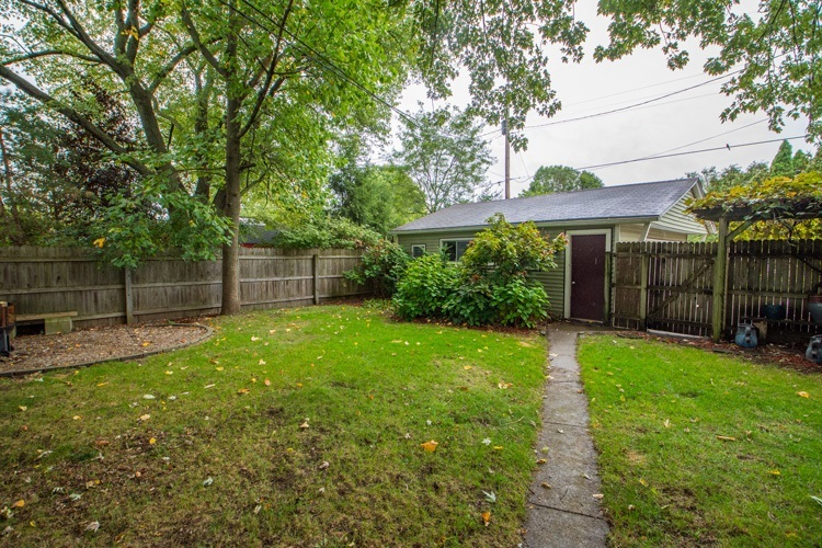 524 Marquette Avenue South Bend, IN 46617 | MLS 201945068 | photo 16