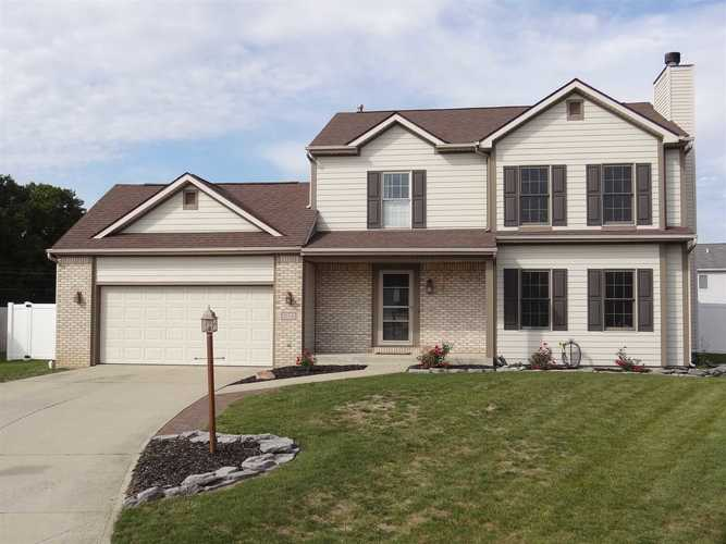 10441  Clay Spring Place Fort Wayne, IN 46818-8736 | MLS 201945139