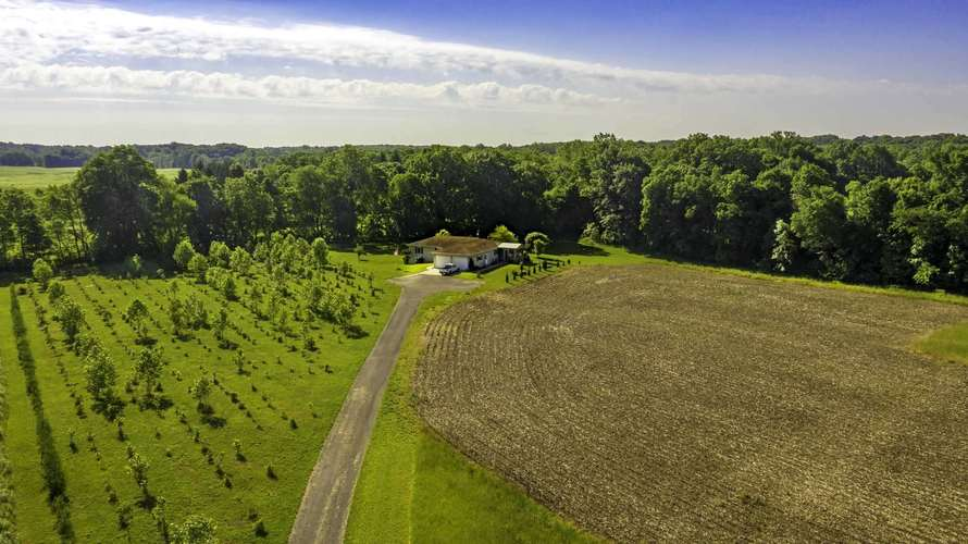2100 Mapes Road Kendallville, IN 46755 | MLS 201945426 | photo 5