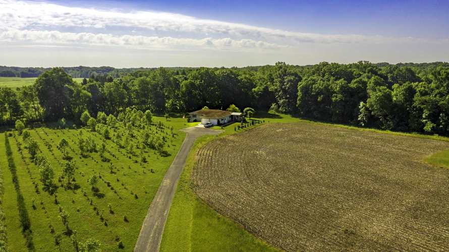 2100 Mapes Road Kendallville, IN 46755 | MLS 201945426 | photo 8