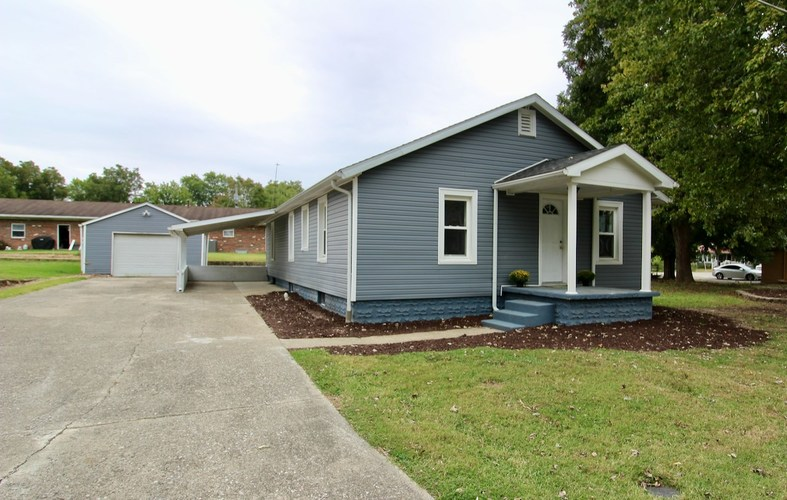 105 E Foster Street E Fort Branch, IN 47648 | MLS 201945545 | photo 1
