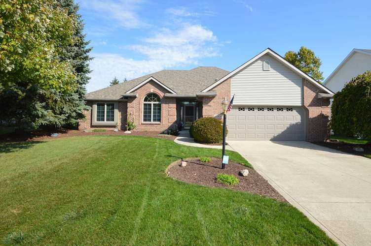 10906 Oakbriar Court Fort Wayne, IN 46845 | MLS 201945594 | photo 1