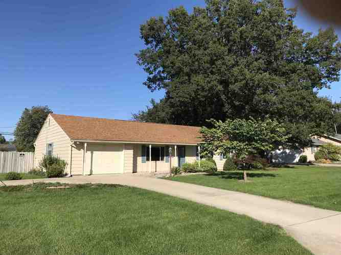 19715 ROLLING ACRES Drive South Bend, IN 46614-5746 | MLS 201945751 | photo 2
