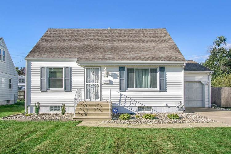119 S Gladstone Avenue South Bend IN 46619 | MLS 201945860 | photo 1