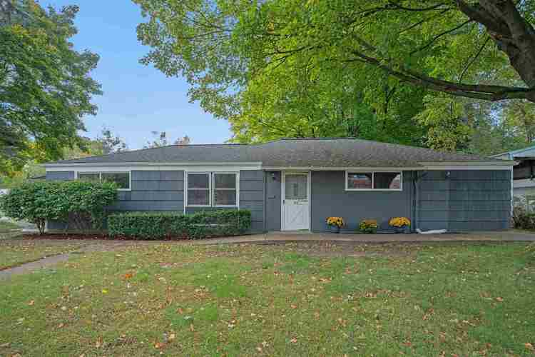 839  Woodcliff Drive South Bend, IN 46615 | MLS 201945903