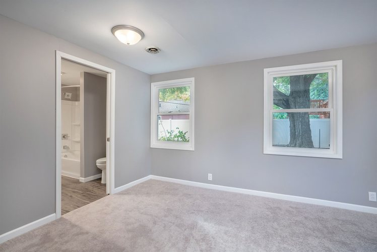 839 Woodcliff Drive South Bend, IN 46615 | MLS 201945903 | photo 8