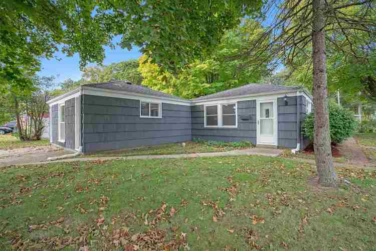 839 Woodcliff Drive South Bend, IN 46615 | MLS 201945903 | photo 2