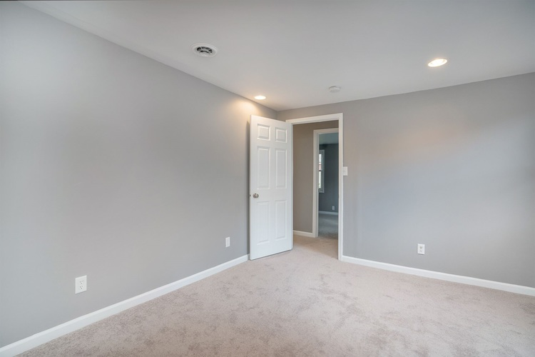 839 Woodcliff Drive South Bend, IN 46615 | MLS 201945903 | photo 17