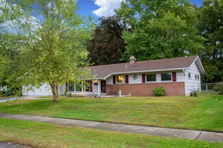 3406  Woodmont Drive South Bend, IN 46614-2337 | MLS 201945999