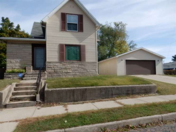 624 Clinton Street #STREET South Bend, IN 46601-3211 | MLS 201946134 | photo 1