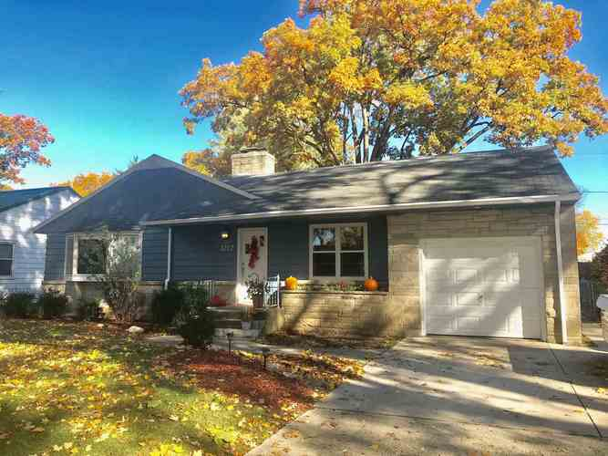 3212 River Forest Drive Fort Wayne IN 46805 | MLS 201946236 | photo 1