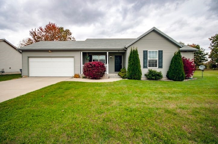 1608 Chinook Drive Bristol, IN 46507 | MLS 201946772 | photo 1