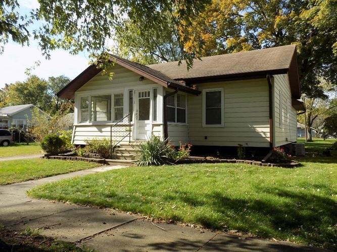 233 Manor Avenue Elkhart IN 46516 | MLS 201946773 | photo 1