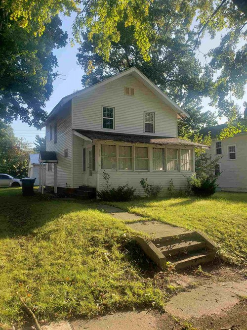 136 E Eckman Street South Bend, IN 46614 | MLS 201947681