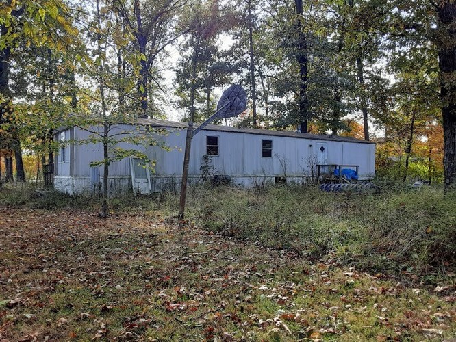 1290  County Line Road Palmyra, IN 47164-8810 | MLS 201947746