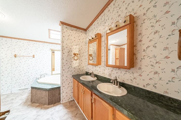 50819 Portage Road South Bend, IN 46628-9365 | MLS 201947842 | photo 11