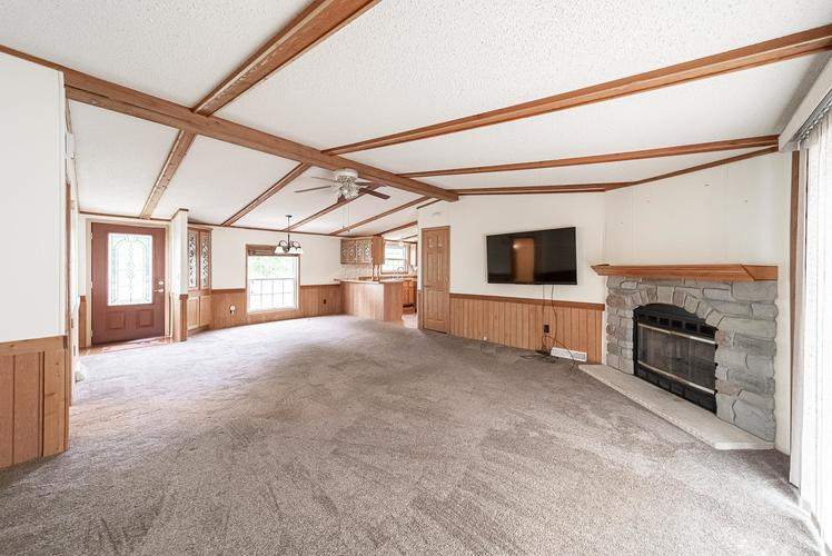 50819 Portage Road South Bend, IN 46628-9365 | MLS 201947842 | photo 2