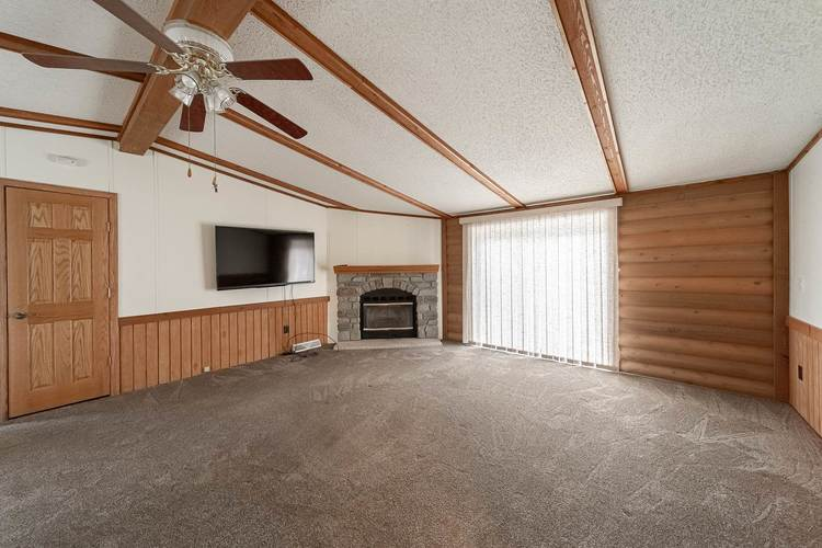 50819 Portage Road South Bend, IN 46628-9365 | MLS 201947842 | photo 4