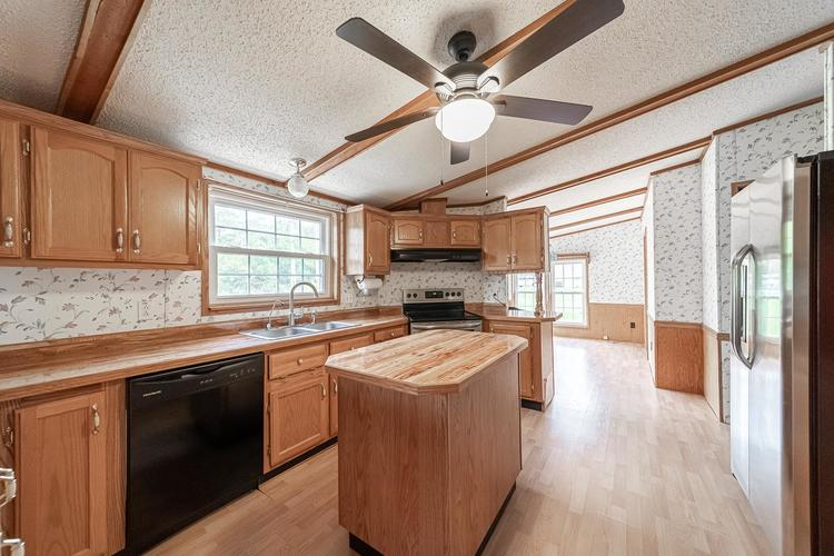 50819 Portage Road South Bend, IN 46628-9365 | MLS 201947842 | photo 5
