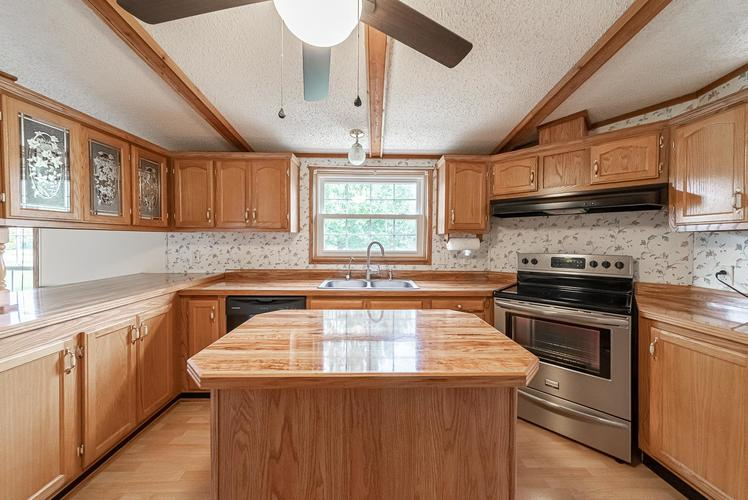 50819 Portage Road South Bend, IN 46628-9365 | MLS 201947842 | photo 7