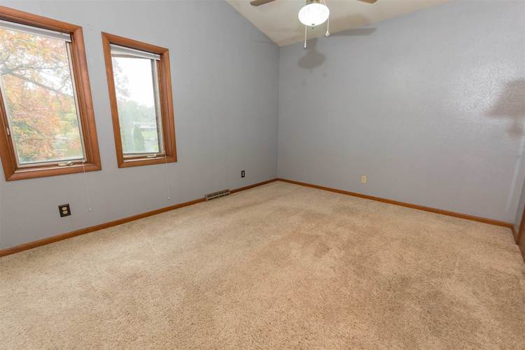 56055 Riviera Boulevard South Bend, IN 46619-4565 | MLS 201947866 | photo 25