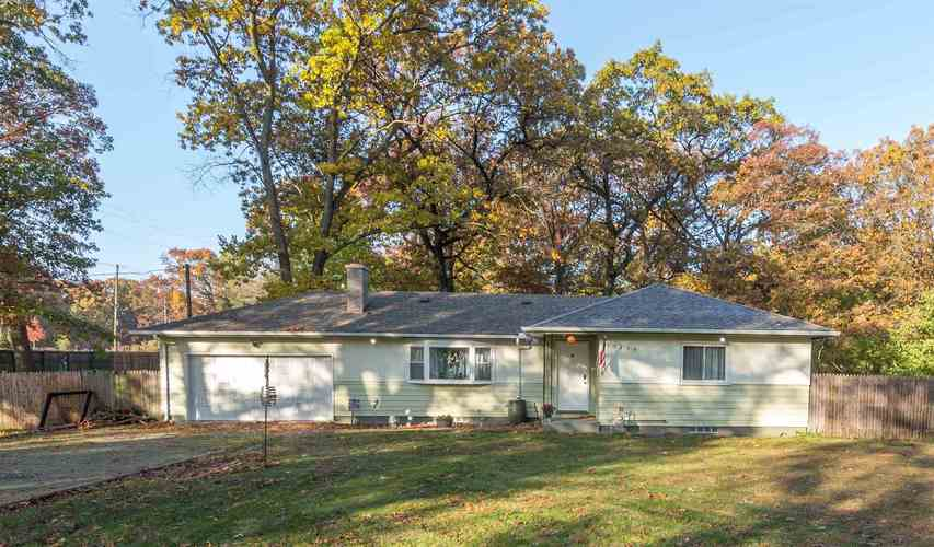 55479 Hollywood Boulevard South Bend, IN 46628-5112 | MLS 201948057 | photo 1
