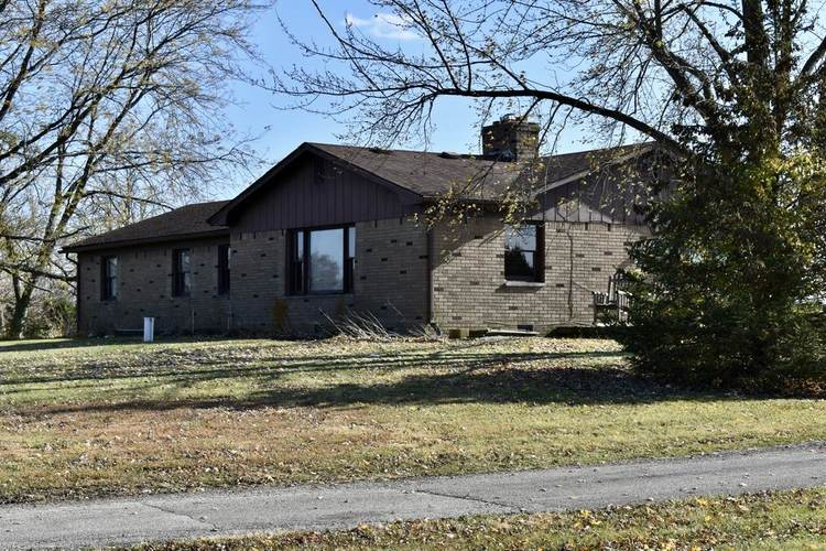 11101 E Gregory Road Albany, IN 47320 | MLS 201948086