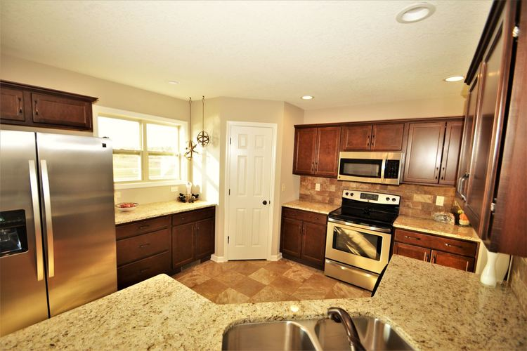 12979 Page Hill Court Fort Wayne, IN 46818   MLS 201948124   photo 11