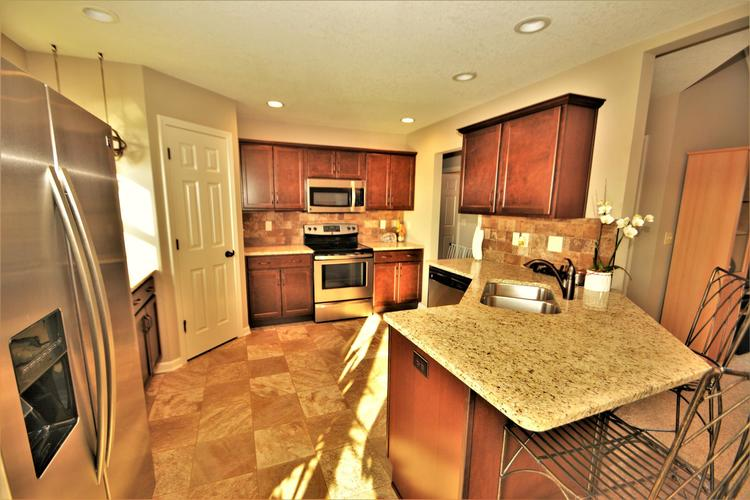 12979 Page Hill Court Fort Wayne, IN 46818   MLS 201948124   photo 12