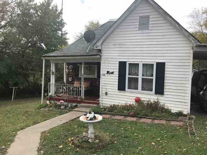 523 S First Street Mitchell, IN 47446 | MLS 201948130