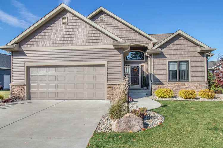 2005 E Timberstone Drive Elkhart IN 46514 | MLS 201948237 | photo 1
